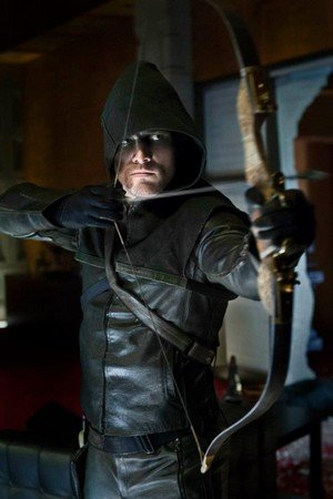 Arrow en photos dans Adaptations et projets avec auteurs à venir arrow