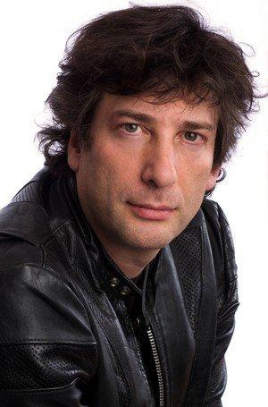 Neil Gaiman arrête les tournées ! dans Actu neil-gaiman-portrait